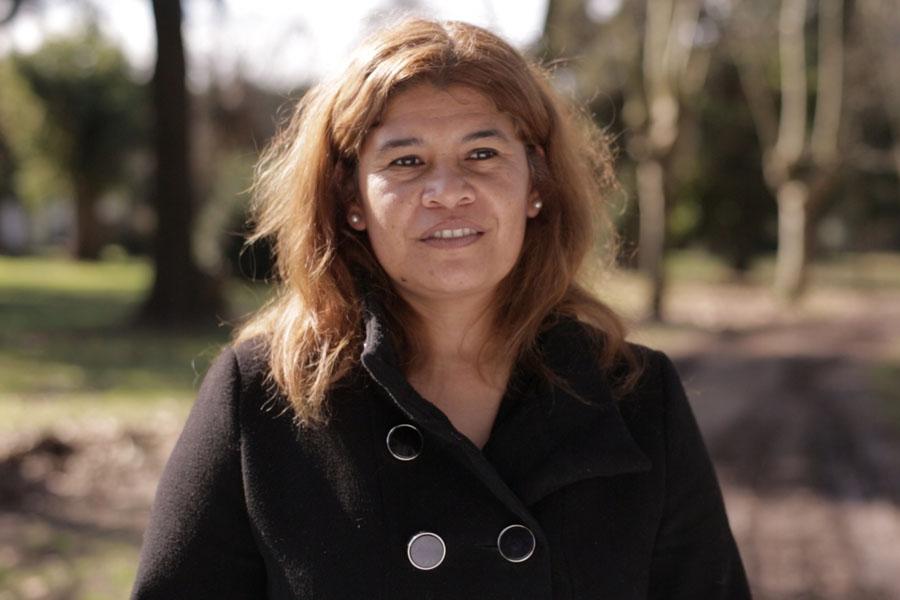 Viviana Gómez participa de las capacitaciones, siempre soñó con desempeñarse como ayudante escolar.
