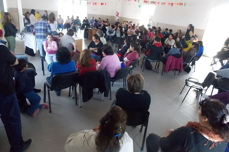 La actividad se realiza en el Centro de Atención Municipal, en la calle Maizani entre Vargas y Baltar del barrio Lavalle.