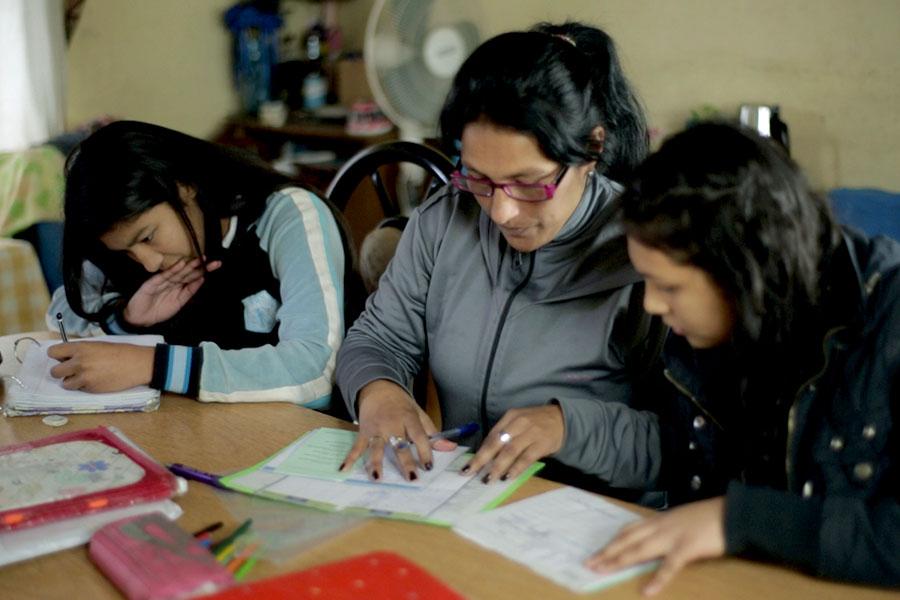Junto a sus hijas, Griselda implementó una iniciativa para motivarse y aprender cada día un poco más.