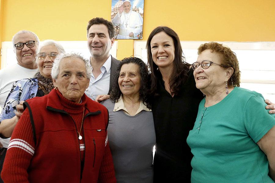 Unos 75 adultos mayores asisten todos los días a las actividades de la institución.