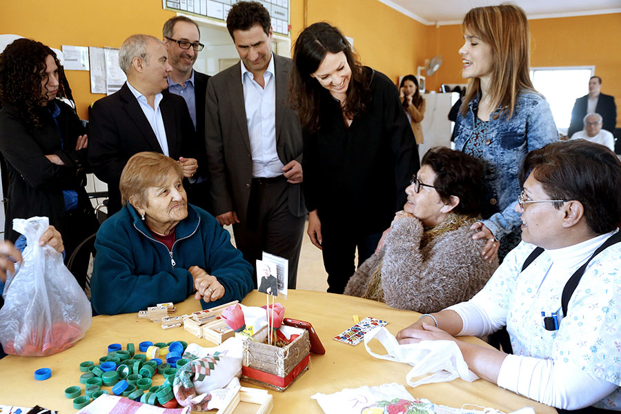 La ministra y el director ejecutivo del PAMI, Carlos Regazzoni, los acompañaron en una tarde de actividad.
