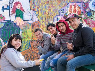 Imagen ilustrativa de la política Adolescentes con vos y voz