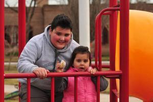 Fotografía ilustrativa de una chica y un chico.