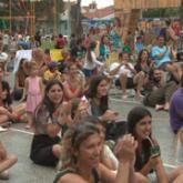 Público disfrutando de espectáculo en el UnzuéPúblico disfrutando de espectáculo en el Unzué
