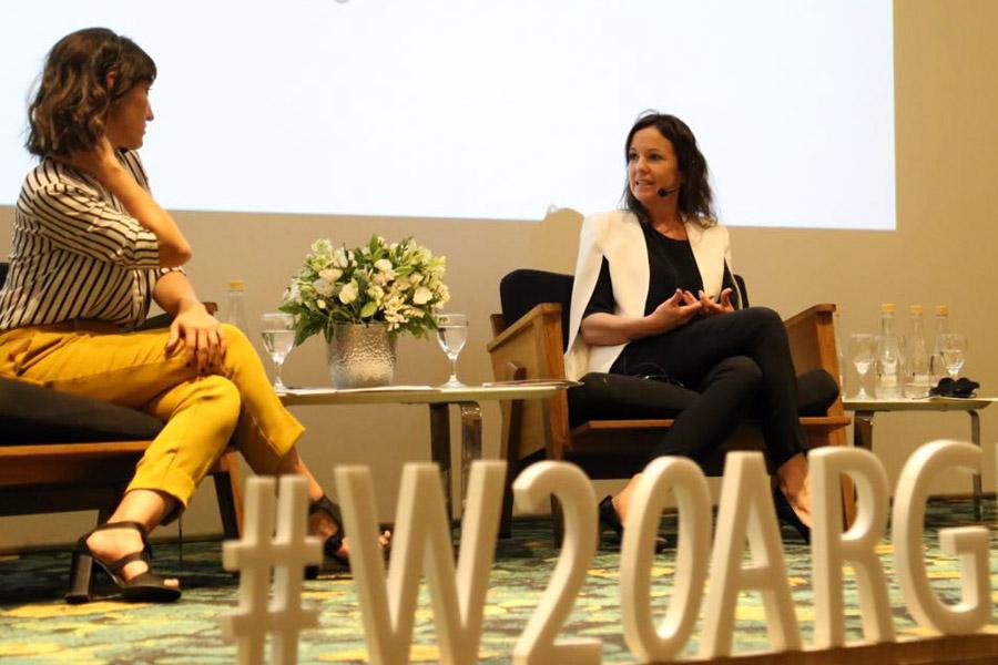 imagen de Carolina Stanley durante el evento