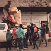 Imagen ilustrativa repartiendo la mercadería de los contenedores