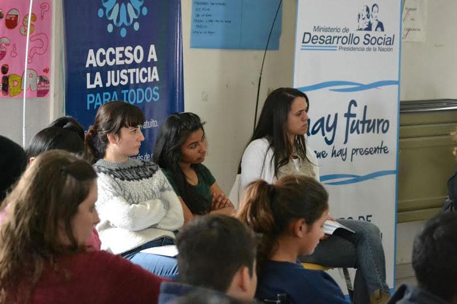 Desarrollo Social organizó un encuentro de cyberbullying en Bahía Blanca.