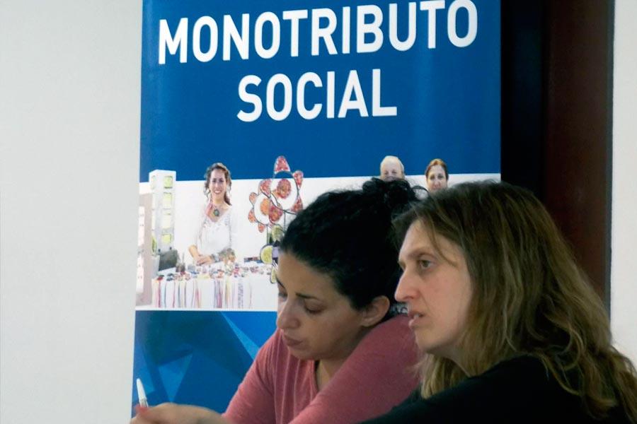 Referentes territoriales del monotributo social