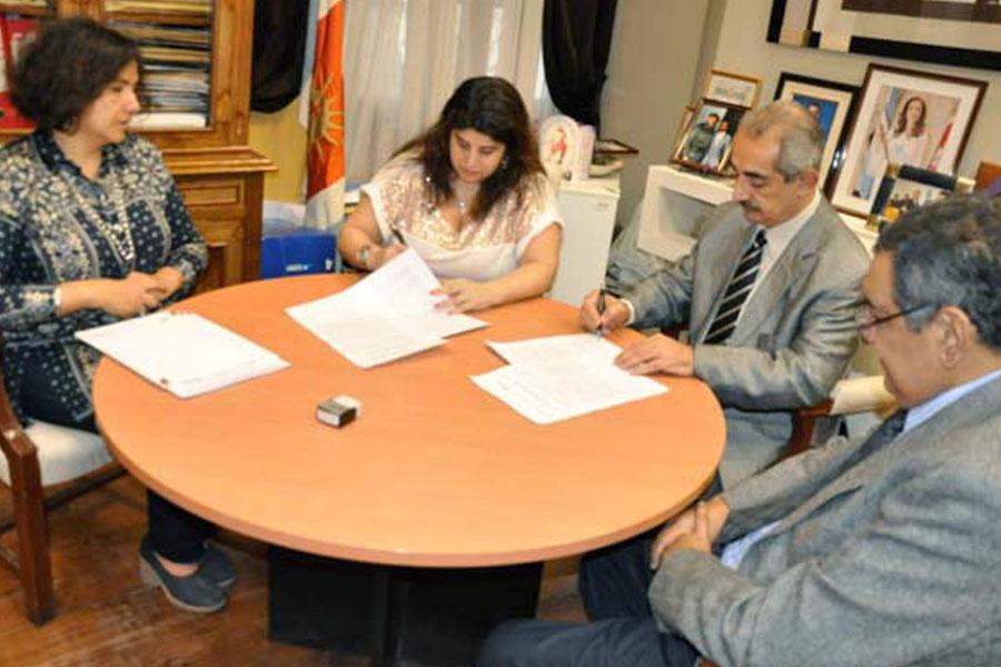 Se firmó acta de adhesión para hogares de mujeres víctimas de violencia