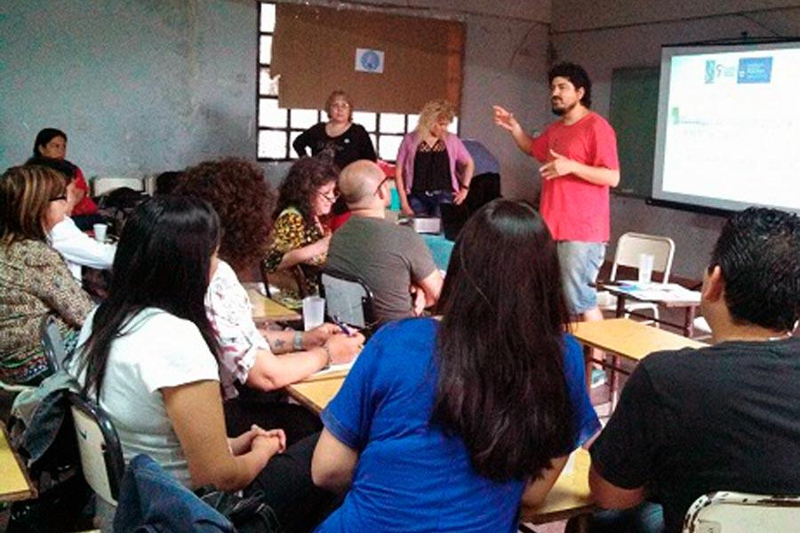 Taller de noviazgo sin violencia en Quilmes