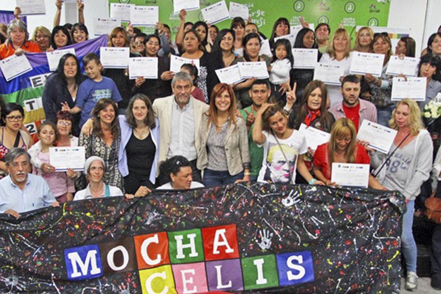 Estudiantes de Avellaneda finalizaron la cursada de la Escuela Popular de Género.
