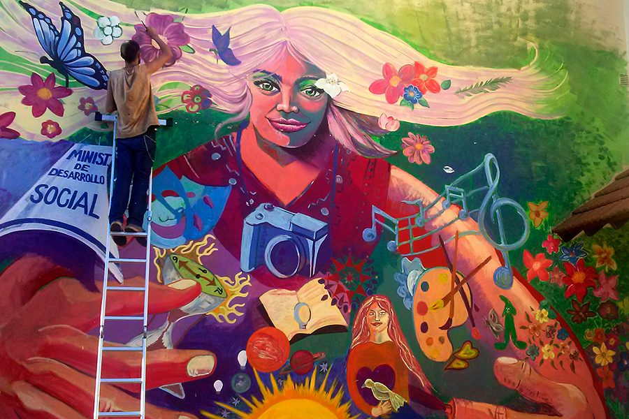Un mural colectivo para homenajear a las mujeres for Arte colectivo mural