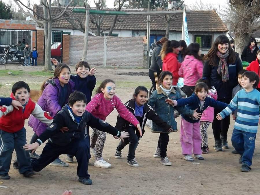 Los niños disfrutaron de actividades físicas y culturales.