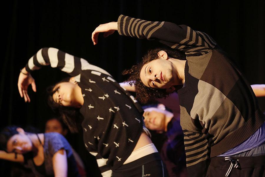 Imagen ilustrativa de bailarines de danza