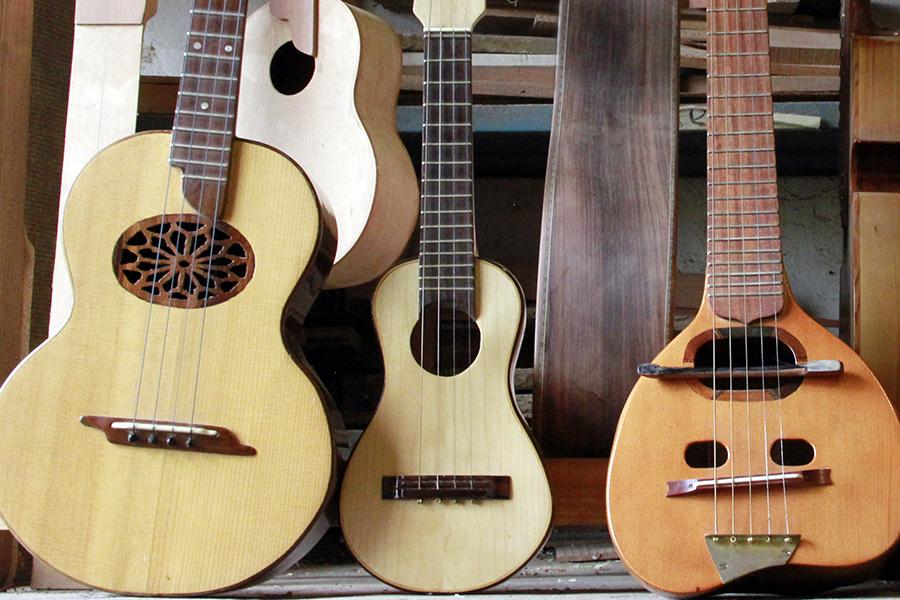 En la feria, las familias aprenderán cómo construir guitarras clásicas.
