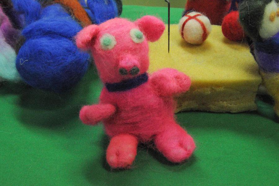 Ilustración de muñecos de vellón de lana.