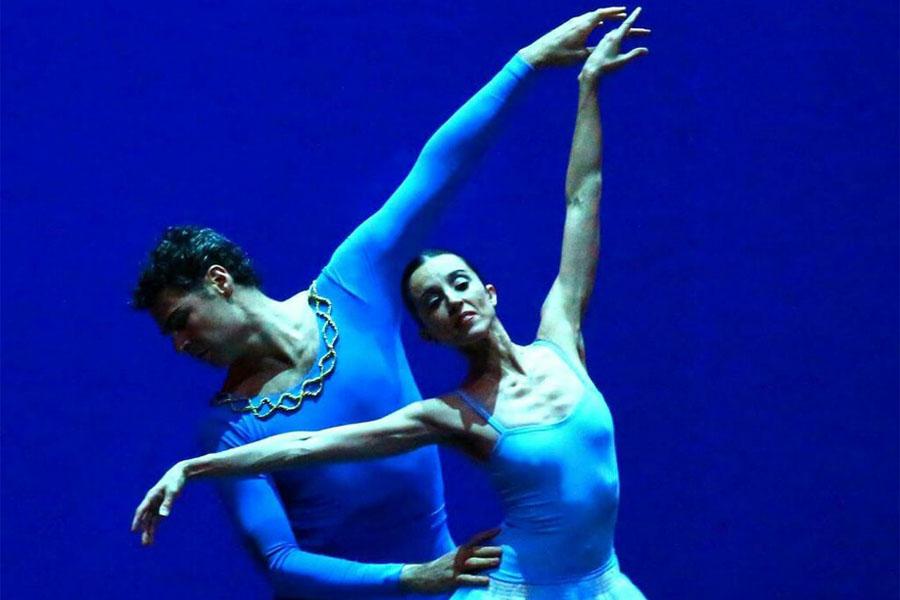 Fotografía ilustrativa de Iñaki Urlezaga y una bailarina.