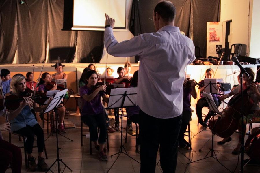 Fotografía ilustrativa de un concierto de orquesta.