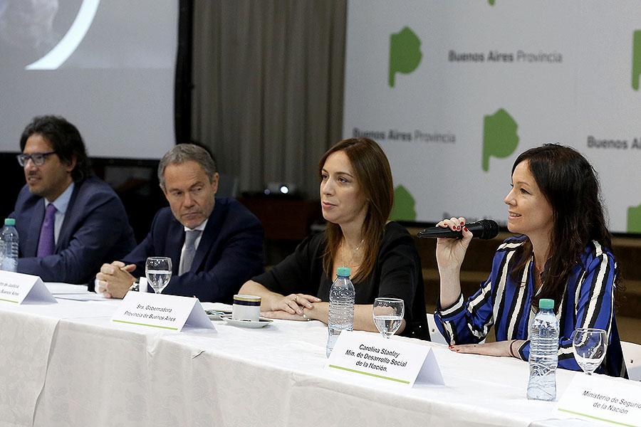 Imagen ilustrativa de la ministra Carolina Stanley y la gobernadora María Eugenia Vidal.